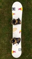 Snowboard Morrow 159cm + vazani