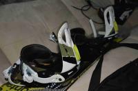 Prodám snowboard + vázání + vak (možno i boty NITRO)